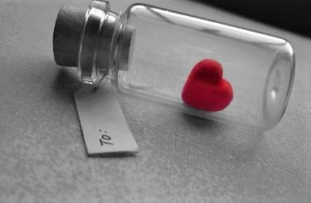 1mensaje-de-amor-en-una-botella-para-san-valentin-600x375OK